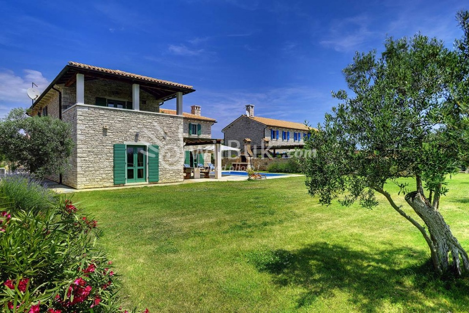villa lucia mit pool in vodnjan zum mieten. Black Bedroom Furniture Sets. Home Design Ideas